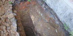 Устройство шурфа для возможности обследования фундаментов под наружной стеной