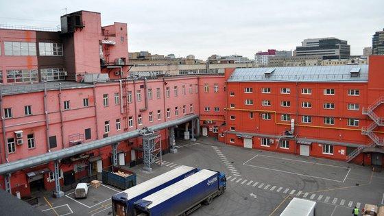 Стены внутренних фасадов здания