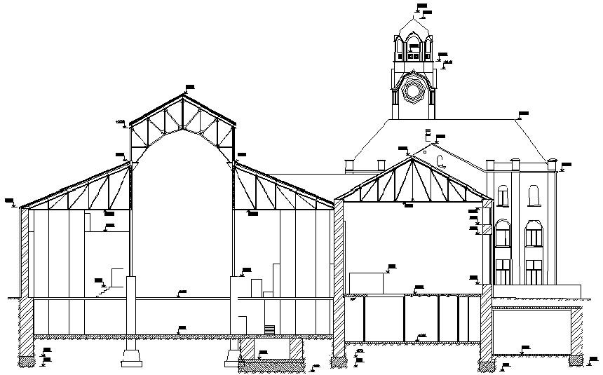 Поперечный разрез здания с указанием высотных отметок